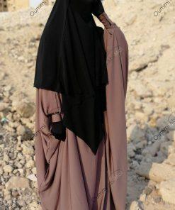 Abaya Bint.a Caviary Taupe Rosé Profil